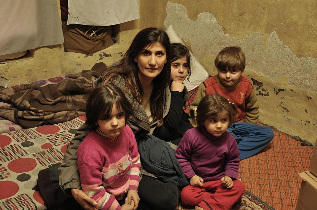 Aynur Gündüz mit syrischen Waisenkindern
