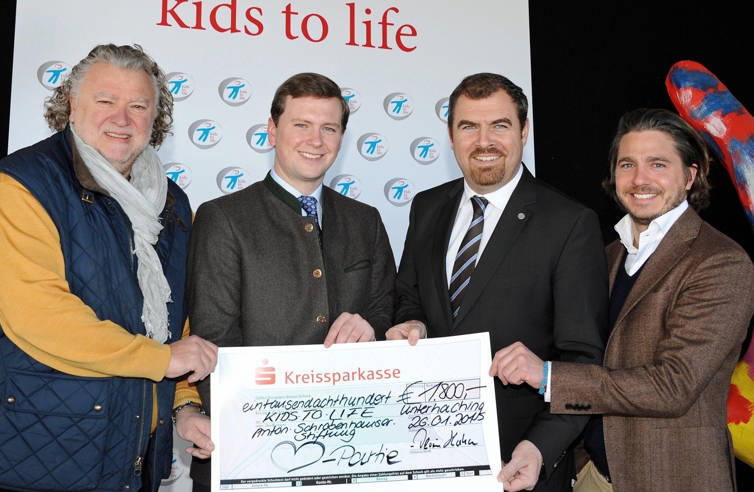 """Herzpartie e. V."" spendet 1.800,- Euro an kids to life"