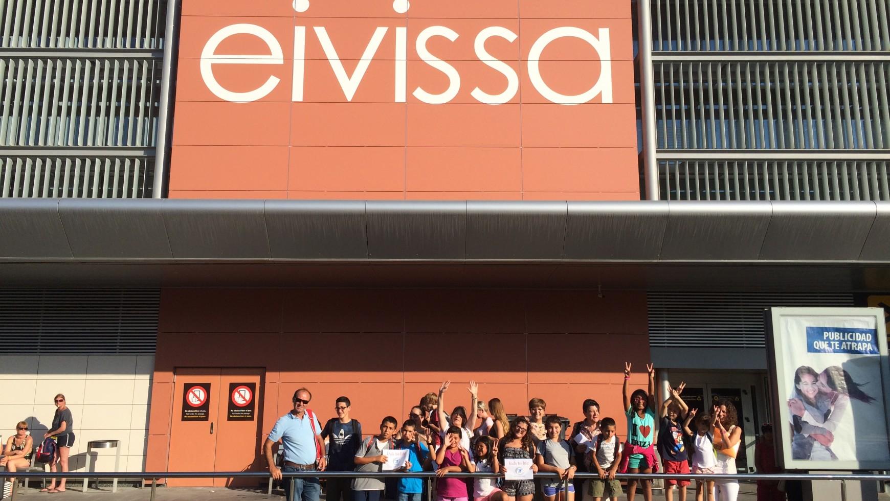 Spanisches Kinderheim zu Besuch bei kids to life