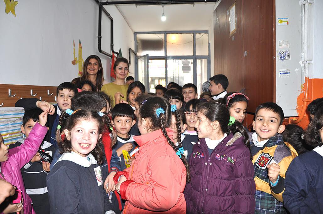 Dringend Hilfe zur Unterstützung von Flüchtlingsschulen in der Türkei benötigt!