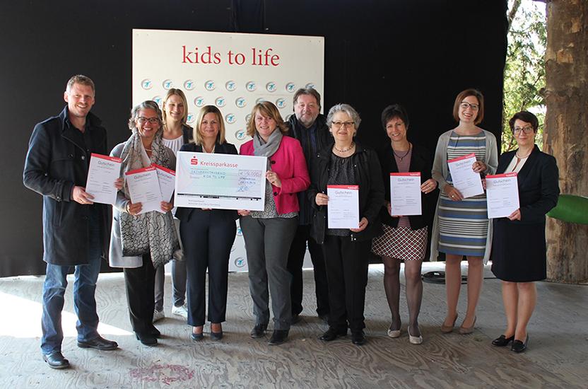 Studienkreis spendet Nachhilfe-Gutscheine an kids to life