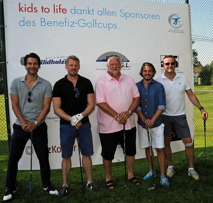 50.000 Euro Erlös beim Charity-Golfcup und Benefizabend von kids to life