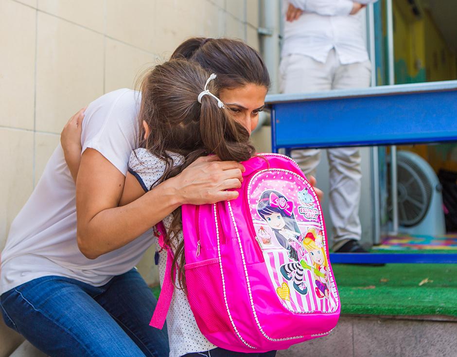 Schultaschen für syrische Kinder in der Türkei