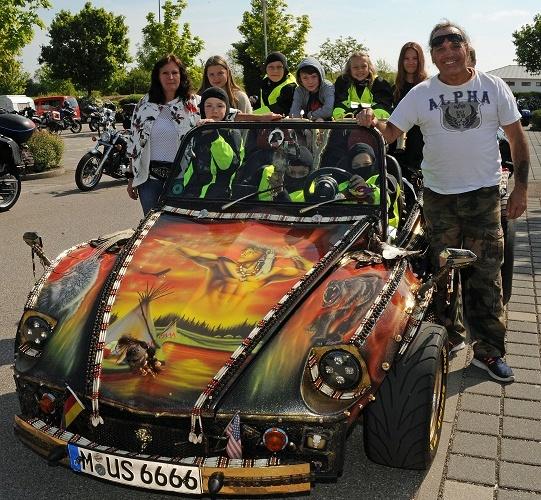 Biker aus ganz Bayern fahren für kids to life und kids in emotion